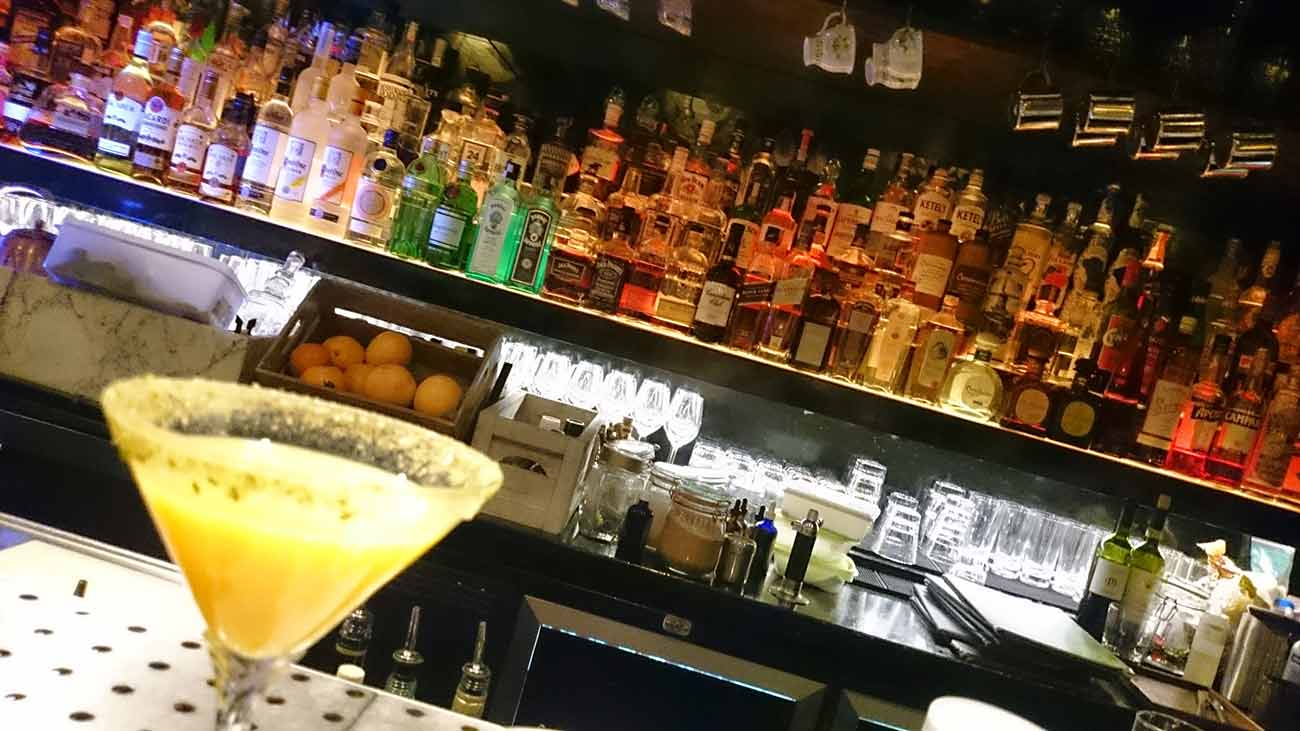 Best-cocktail-bars-Amsterdam